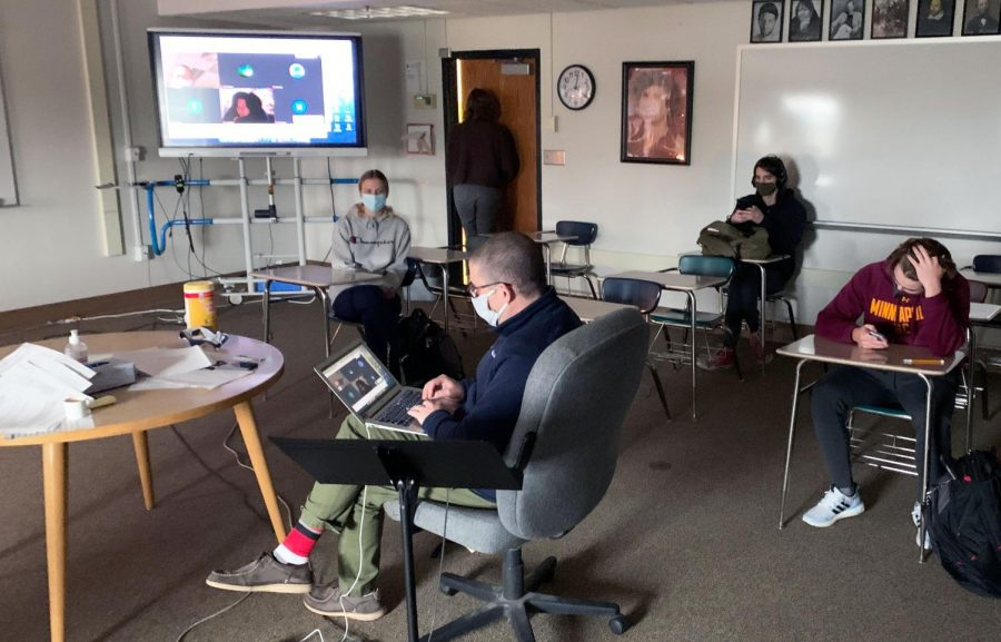 English teacher Andy Wilkes addresses his online students April 13. Many students opted to stay in Cohort C due to safety concerns regarding COVID-19.