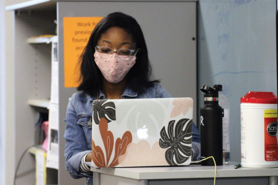 Student teacher Joy Dunna leads her class April 19. All teachers and students are required to wear a mask at all times.